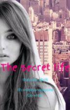 The secret life (a one direction fan fiction) by Alyssa_malik