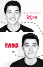 Atrapada entre TWINS   [Jack y Finn Harries] by AdeleYB