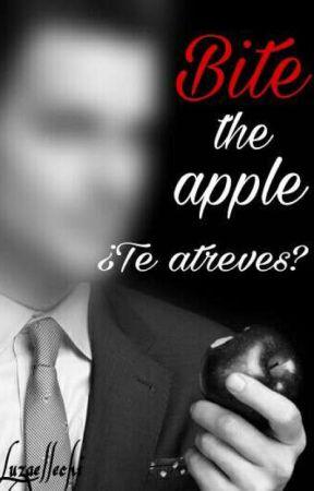 Muerde la manzana (Bite the apple) +18 by Luzaellechi
