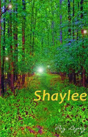 SHAYLEE by PazLopez-Escritora
