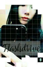 Flashdrive by TaenyMushroom