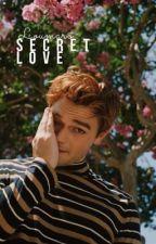 Secret love || BoyxMan by Loumaro