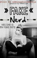 FAKE NERD (REVISI / SLOW UPDATE) by edwinaphilodeskia