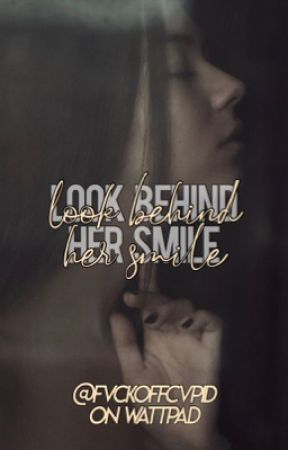 Look behind her smile by elianoriamoniell