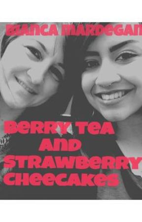 Berry tea and strawberry cheesecakes by Aquelaamorosa123