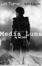 Media Luna [TaeKey] by bal_locket