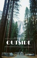 Outside || Luke Hemmings (español) by -karmasutra
