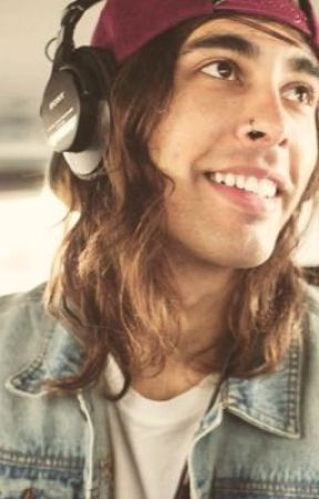 Vic Fuentes X reader (ON HOLD) by band_obsessed_emo