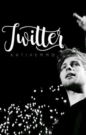 Twitter - Luke Hemmings by TiemiS