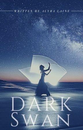 Dark Swan by alyralaine