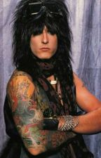 Who knew Nikki Sixx would fall for me by beautyreams2