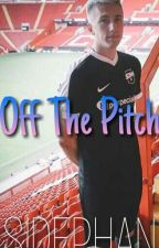 Off The Pitch || Miniminter X Reader by SIDEPHAN