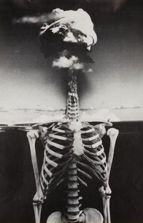 the skeleton dreamer by LorenWalker