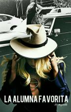 La alumna favorita. (Lady Gaga & Tara Savelo) by Nymph98
