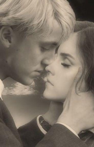 Behind These Hazel Eyes (Una historia de Hermione y Draco)