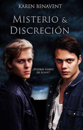 Misterio & Discreción (Crónicas del Día y la Noche #1) by KEBenavent