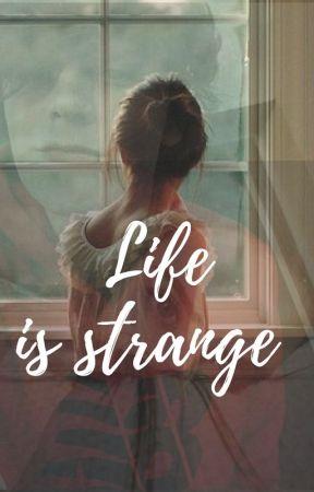 Życie jest dziwne by MartynaBukowska0