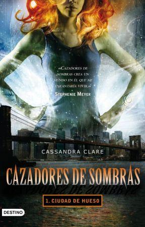 Reseña de Cazadores de Sombras: Ciudad de Hueso by JulieLawliett