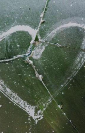 Broken glass by CookiegamerCookie