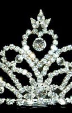 Dead Prom Queen by LillanPetals