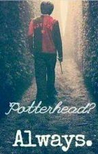 Leyendo En El Gran Comedor: Harry Potter  by Gysell_Black