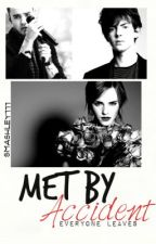 Met by accident (One Direction) by Smashley777