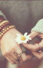 Algumas coisas, uma vez quebradas, não podem mais ser coladas. by garotadeporcelana