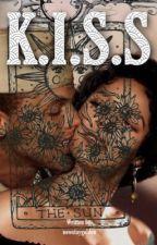 K.I.S.S (Futanari) (Lesbian Story) by StayGolden08