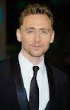 The journalist         (Tom Hiddleston Fan Fic) by Hersheyspie172
