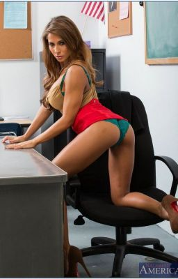 Hot MILF babe Madison Ivy gives a massage and gets ass fucked № 784907 загрузить