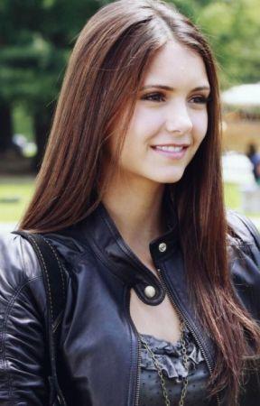 I TVD när gör Elena och Damon börja dejta