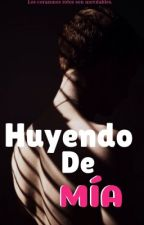 Huyendo De Mía. by Luz_Ka