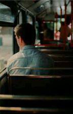 O Garoto Do Ônibus (Romance gay) by ImSamObrienn