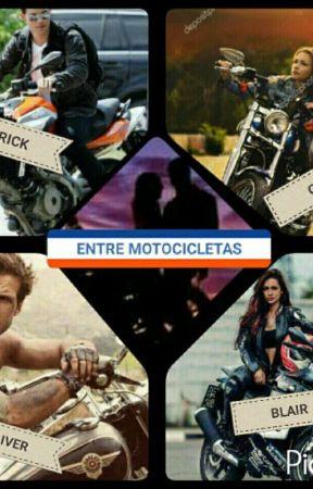 Entre Motocicletas. by Lornax12