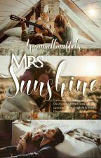 Mrs. Sunshine by karamellmuffel