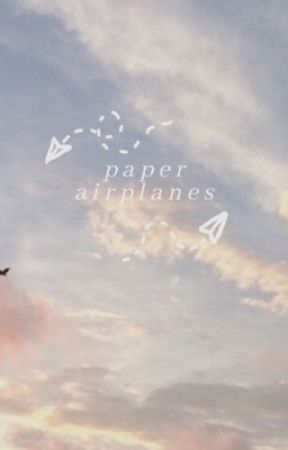 Paper airplanes - Newtmas by Newt_and_Tommy