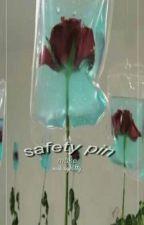 Safety Pin ; Muke by rxs3s_