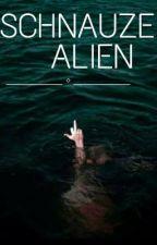Schnauze Alien by MadameMarilyn