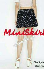 Miniskirt by Chomaya