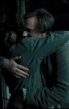 Wolfstar hug. Remus PoV by ihavesiriusproblems
