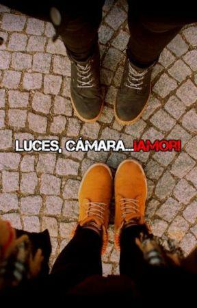 """Luces, Cámara...¡Amor!""  |Bill Skarsgård x Lectora|  by Venomie"