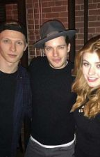 Shadowhunters triangle ~ Clary-Jace-Sebastian fratellastri o amanti? by VallyClace
