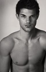 Friends 2 More (Taylor Lautner Love Story) by ChloeeLouiseeC