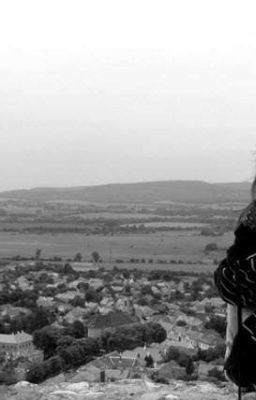 Đọc truyện cô gái nhỏ trong sự cô độc và cả áp lực