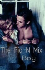 The Pic N Mix Boy // Luke Hemmings by Mixtapedreamers