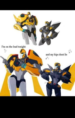 Wasp and a bee( transformers RID Fanfic)  by Amanda2401love99