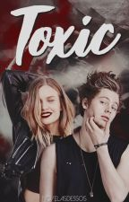 toxic ; luke hemmings by Novelasde5sos