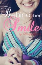 Behind her SMILE by zinanne