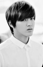 Moment By Moment [EXO FANFIC FOR KRIS] by taohuneytea