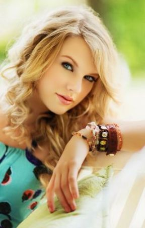 Taylor Swift (2014) by makaylaluvs333